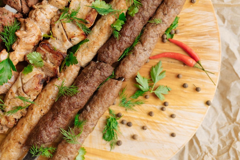 Где поесть на ул. Баумана в Казани национальную кухню недорого